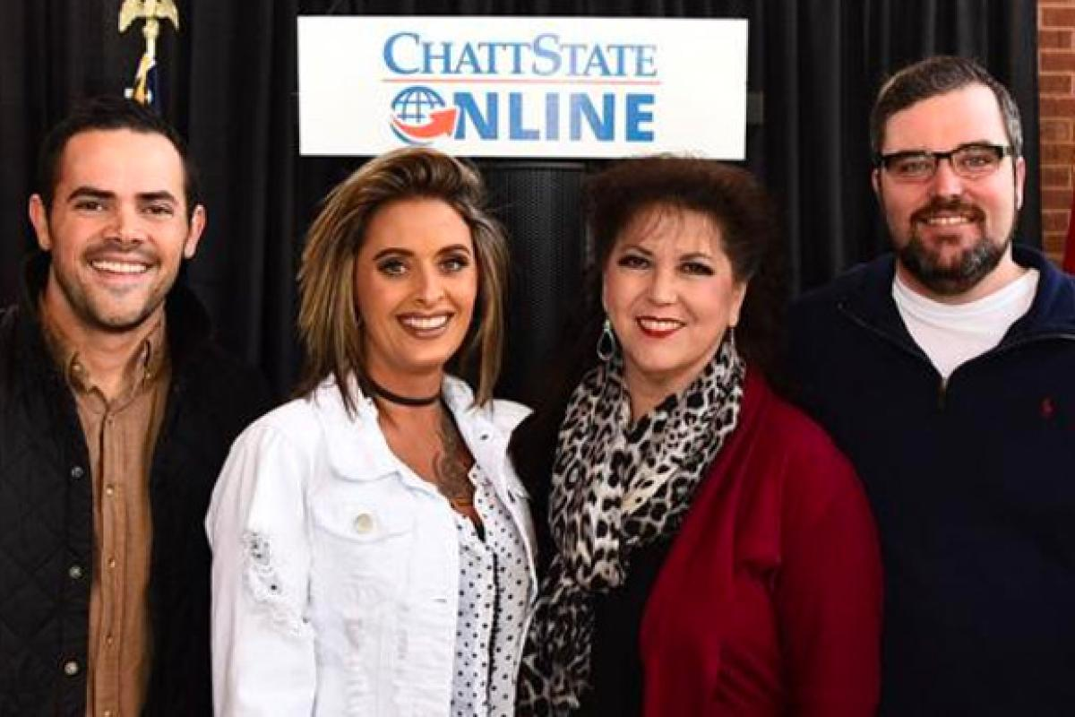 Chattanooga State Representatives in Front of Chatt Online Sign