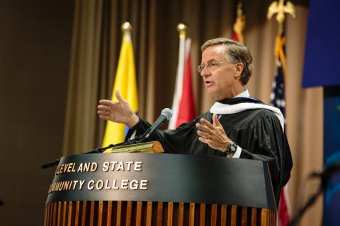 Gov. Haslam delivers Commencement address at Cleveland State Community College