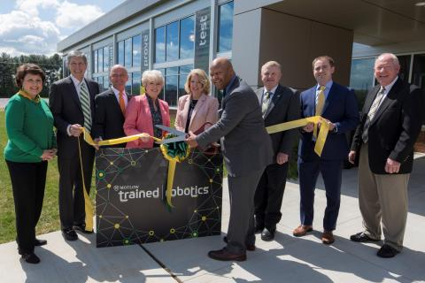 Motlow President Michael Torrence cuts ribbon for Motlow's Automation & Robotics Training Center